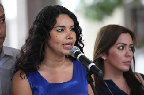 Colectivos LGBT se reúnen con el Presidente Rafael Correa en Ecuador 2015 2
