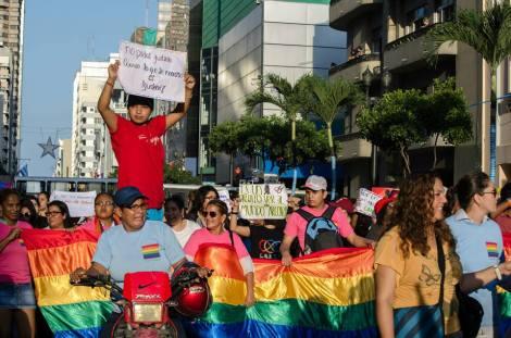 Orgullo LGBT Gay Ecuador Guayaquil 2015 - Asociación Silueta X (165)