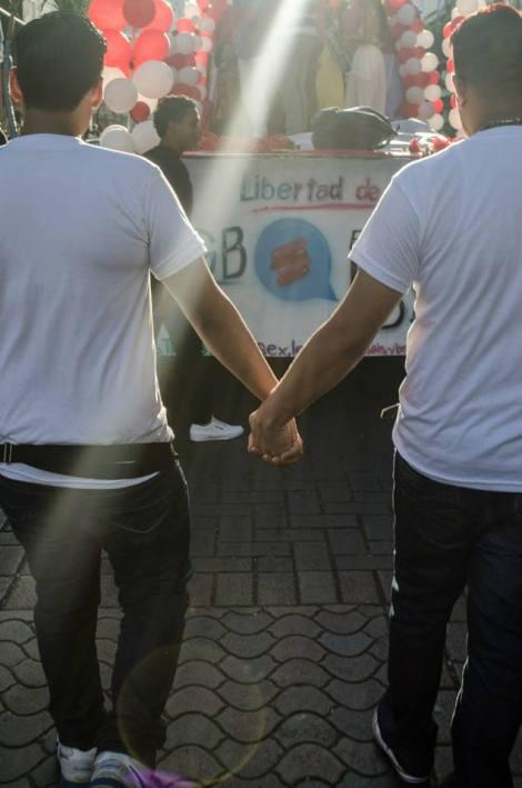 Orgullo LGBT Gay Ecuador Guayaquil 2015 - Asociación Silueta X (18)